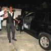 Fernando Villalona, entrega  jeepeta Grand Cherokee  periodista Diomelo Martínez