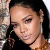 Rihanna demanda a su padre por aprovecharse de su nombre para hacer negocios