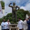 Deslizan estatua de Jack Veneno en Parque Hostos