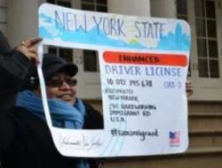Gobernador Cuomo firmó ley para dar licencias a indocumentados en NY desde diciembre