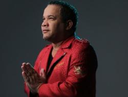 """El Torito exhorta a sus compatriotas a nunca sentir vergüenza de decir """"Yo Soy Dominicano""""."""