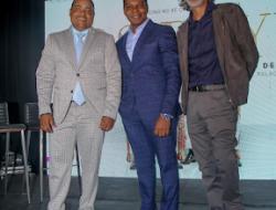 Raymond y Miguel celebran su 25° aniversario de carrera en el Palacio de los Deportes