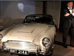 Uno de los Aston Martin DB5 de James Bond será subastado en $6.4 millones
