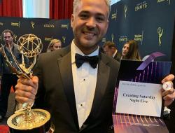 "Dominicano gana Emmy por la serie ""Creando Saturday Night Live"""