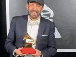 """Juan Luis Guerra se lleva su segundo Latin Grammy al Mejor álbum tropical por """"Literal"""""""