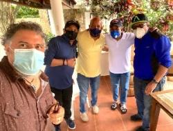"""""""El Torito"""", organizó un encuentro en su casa campestre de Bonao con cinco comunicadores"""