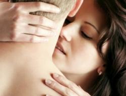 4 caricias sexuales para volver loco a un hombre