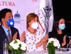 Urbanos se reúnen con la ministra de Cultura; anuncian apoyo al movimiento