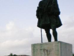 Las estatuas Nicolás de Ovando, solo caben en un museo del horror